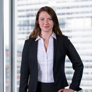 Yvonne Varl - Juristin